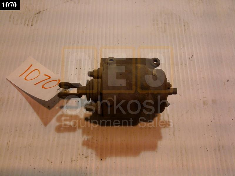 Wrecker Clutch Disengage Air Chamber - Used Serviceable
