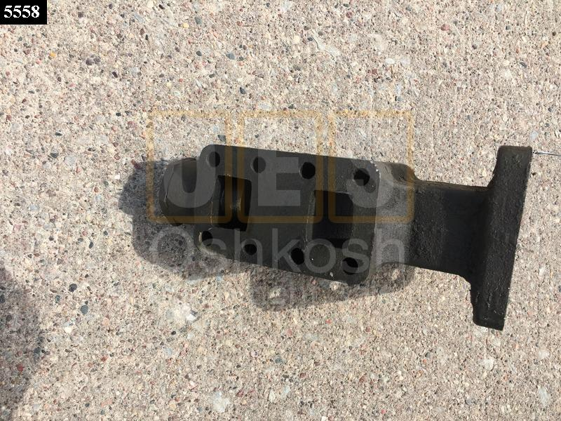 BODY,ADAPTER,HYDRAULIC - Used Serviceable