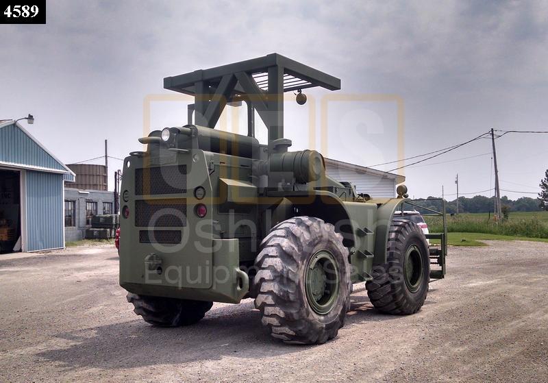 10K Rough Terrain Military Forklift (F-900-01) - Oshkosh