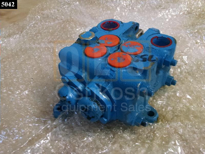 Front Winch and Dump Body Hydraulic Control Valve - NOS