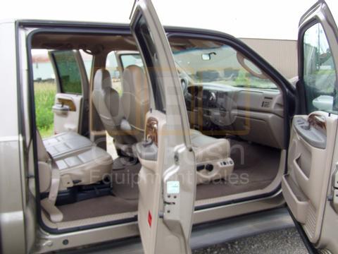 2004 Ford F-350 Lariat Super Duty Crew Cab (6.0 Powerstroke!)